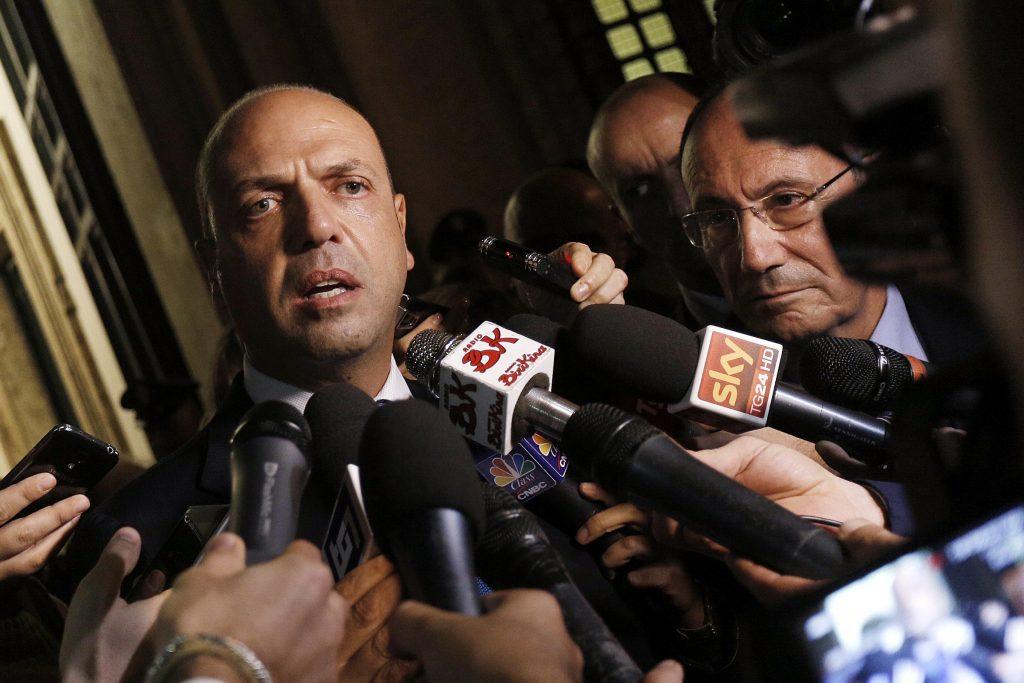 UNIONI CIVILI: VATICANO INSISTE, NO ALLA RIFORMA. ALFANO, VOTO SEGRETO