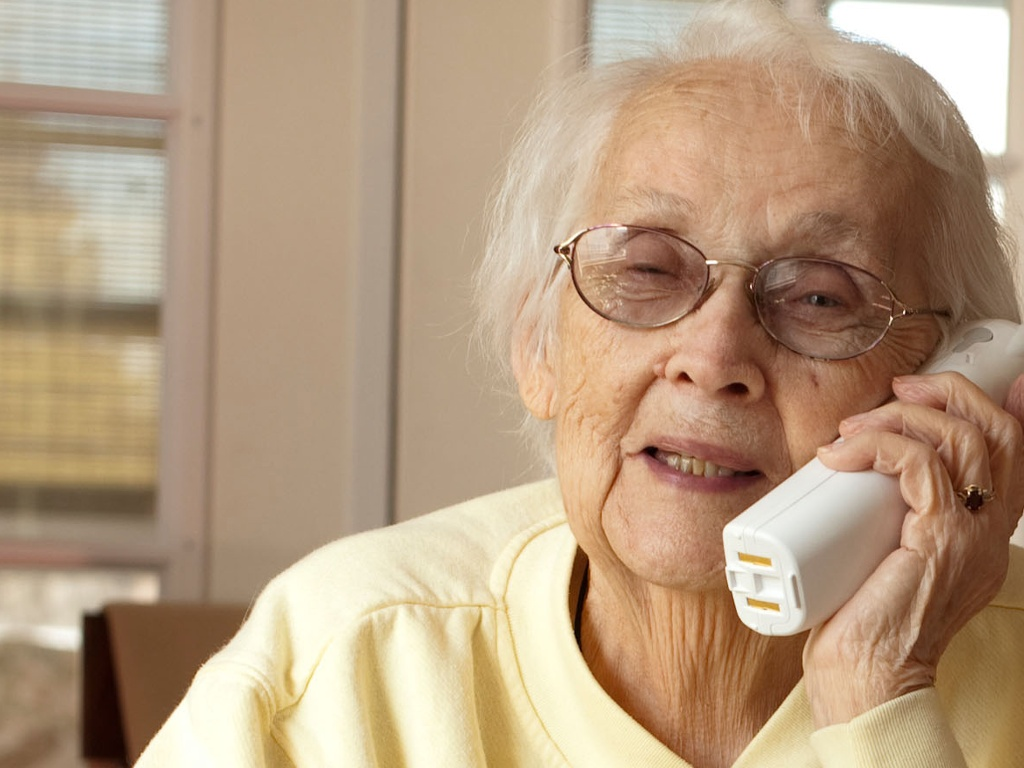nonna-al-telefono
