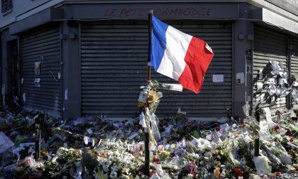 La Francia dopo la notte di Parigi I giovani chiedono di arruolarsi