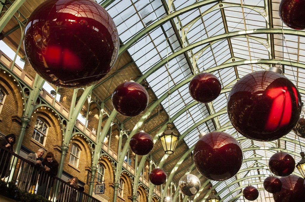 christmas-decorations-879783_1280