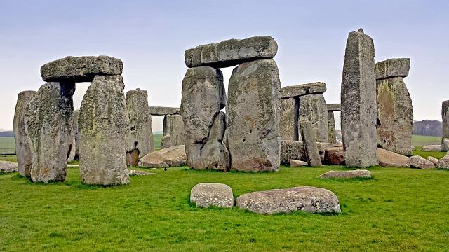 stonehenge-517151_640