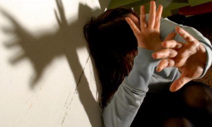 Picchia e minaccia di morte la ex perché non accetta a separazione