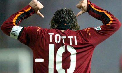 Gli sfottò juventini ai romanisti Totti e compagni, il gelo è a -10
