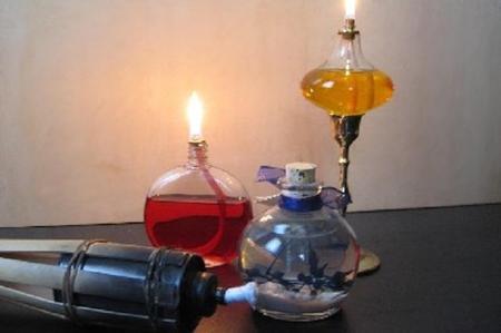 come-accendere-una-lampada-a-olio_c7826c429098b530035bc97c02e82ccc