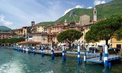 I borghi più belli sfilano a Lovere Festival sull'acqua (e ode a Christo)