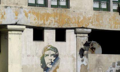 I mille volti del Che sui muri di Cuba Una bella mostra in via Zambonate