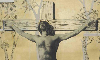 Quel Cristo in croce è il Bocia Mastrovito contro il perbenismo