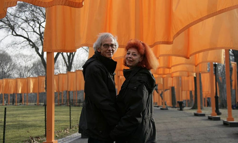 Christo-Jeanne-Claude_The-Gates-Central-Park-New-York-City-1979-2005_ph.-Wolfgang-Woltz_c-Christo-2005-1000x600