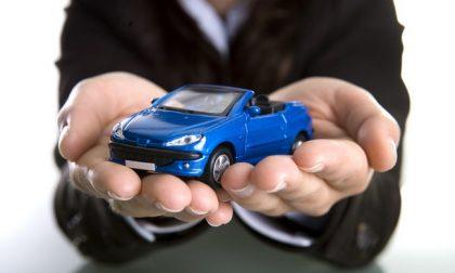 Qualche dritta per evitare truffe quando si compra un'auto nuova