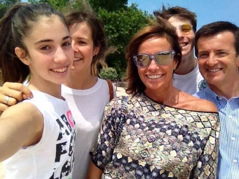 cristina-parodi-twitta-selfie-di-famiglia-gori-560611