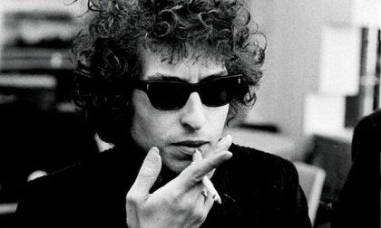 E Bob Dylan non risponde al Nobel Chissà se lo vuole o no, 'sto premio