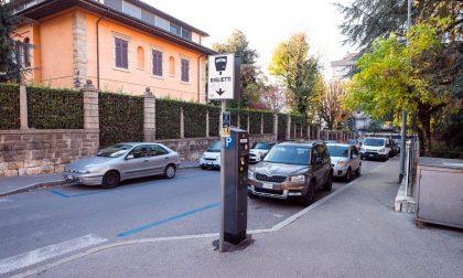 Palazzo Frizzoni: da lunedì 1 giugno stop alla sosta nei parcheggi blu per i residenti