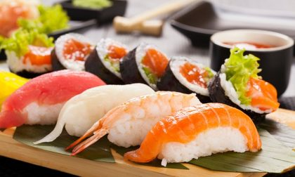 Cinque buoni consigli per mangiare sushi e sashimi in tutta sicurezza
