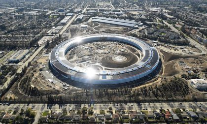 La nuova incredibile sede Apple Un'astronave immersa nel verde