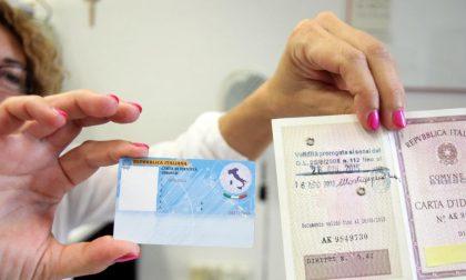 Contro gli assenteisti della carta d'identità Palazzo Frizzoni potrebbe chiedere di pagare in anticipo