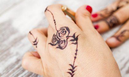 Andiamoci piano coi tattoo henné Spesso sono pericolosi per la pelle