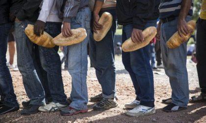 L'accoglienza diffusa dei migranti non si fa sulla testa dei sindaci