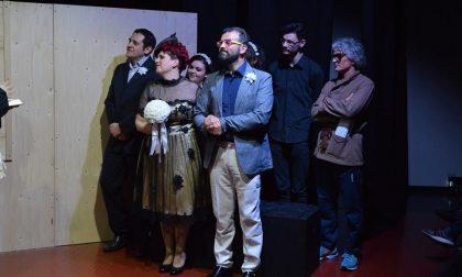 Parotite, cura contro il bigottismo Messaggio anti-omofobia a teatro
