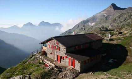 Precipita al Rifugio Tagliaferri: 26enne in codice rosso a Brescia