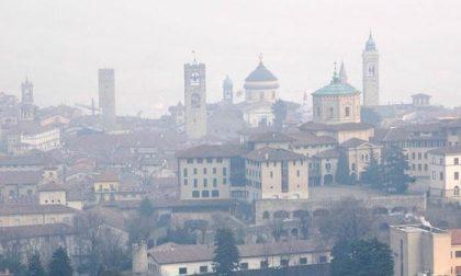 Smog, in Bergamasca scattano le «misure temporanee di primo livello» (cioè?)