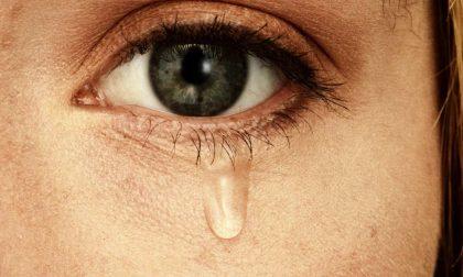 Solo gli esseri umani piangono (e le donne più degli uomini)