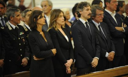 Cinque notizie che non lo erano Boldrini e Boschi omaggiano Riina?