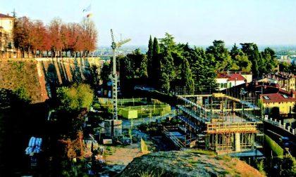 Il cantiere che si vede dalle mura darà vita a una villa a due piani