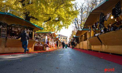 Facce da Natale in centro città (due passi tra le bancarelle)