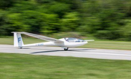 A Valbrembo, nel regno degli alianti Imparare la gioia di volare nel blu