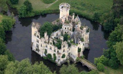 Il castello con 10mila proprietari salvato da un crowdfunding virale