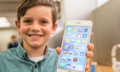 Lettera choc di due grandi azionisti «L'iPhone rende dipendenti i bimbi»