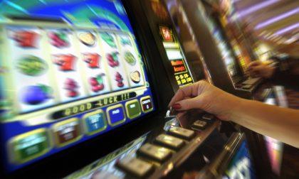 Treviolo, bruciati 4.381 euro a testa per colpa del gioco d'azzardo