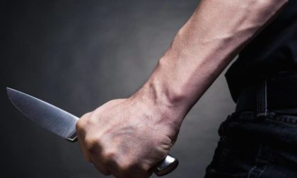 Minaccia la moglie con un coltello da cucina, in carcere un 39enne marocchino di Clusone