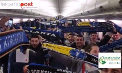 In volo verso Dortmund, cantando l'Atalanta