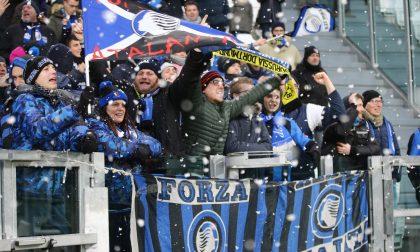 I sorrisi dei duecento nerazzurri nella neve dello Juventus Stadium