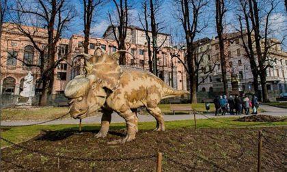 I dinosauri in città già star del web Le installazioni spopolano sui social