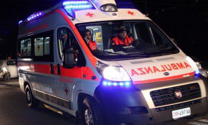 Violento scontro in moto in via Borgo Palazzo, grave un ragazzo di 24 anni