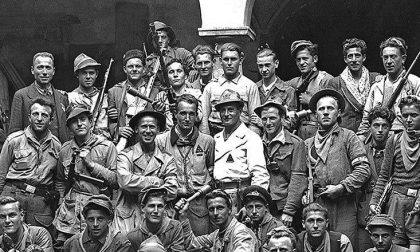 La brigata partigiana Camozzi e una croce, simbolo di libertà