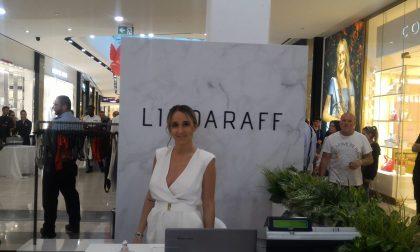 Foto nerazzurre dell'inaugurazione del negozio di Linda Raff a Orio