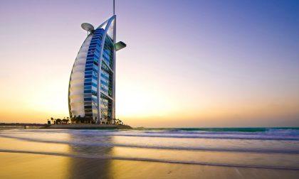 A casa per curare la madre malata Invece è andato in vacanza a Dubai