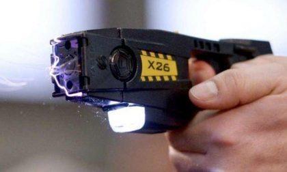Che cos'è è come funziona il Taser che la polizia italiana userà presto