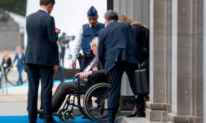 Cinque notizie che non lo erano Tipo Juncker ubriaco alla Nato