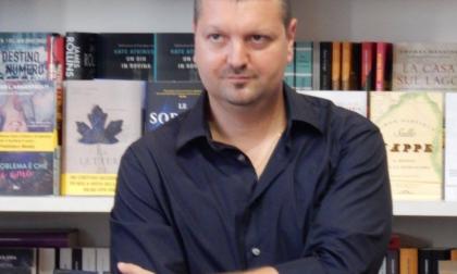 Carcano, lo scrittore che racconta l'oscuro (ma anche l'Atalanta)