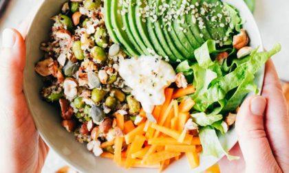 Sette buoni consigli per mangiare sano e completo anche senza carne