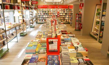 Pensieri segreti di una commessa Parliamo delle tazze in libreria