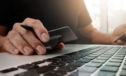Vende elettrodomestico online, truffatore le sfila oltre mille euro: denunciato 40enne bergamasco