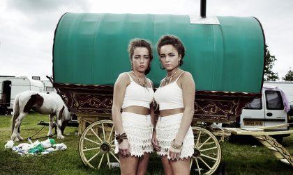 Un grande fotografo di musica alla fiera dei nomadi d'Irlanda