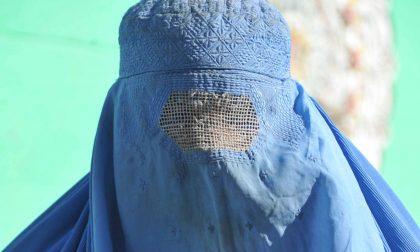 Zanica, donna col burqa all'asilo E su Facebook scoppia la polemica