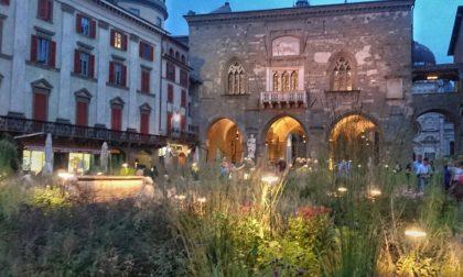 Piazza Vecchia verde di sera – Monica Madaschi