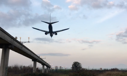Aeroporto, è guerra aperta (e così ci perdiamo tutti)